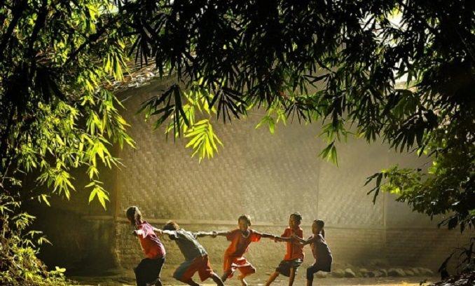 Anak Bermain Merupakan Salah Satu Tumbuh Kembang Anak