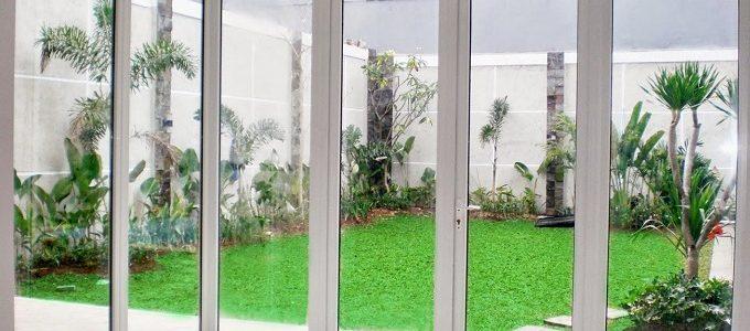 Desain Jendela Kaca Rumah Modern