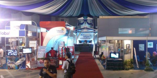 ICT USO EXPO 2012