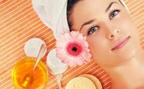 5 Manfaat Madu untuk Kecantikan Wajah